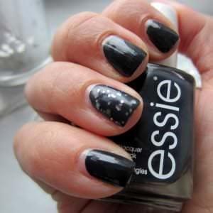 Essie Nagellack für Nail of the day ausgesucht.
