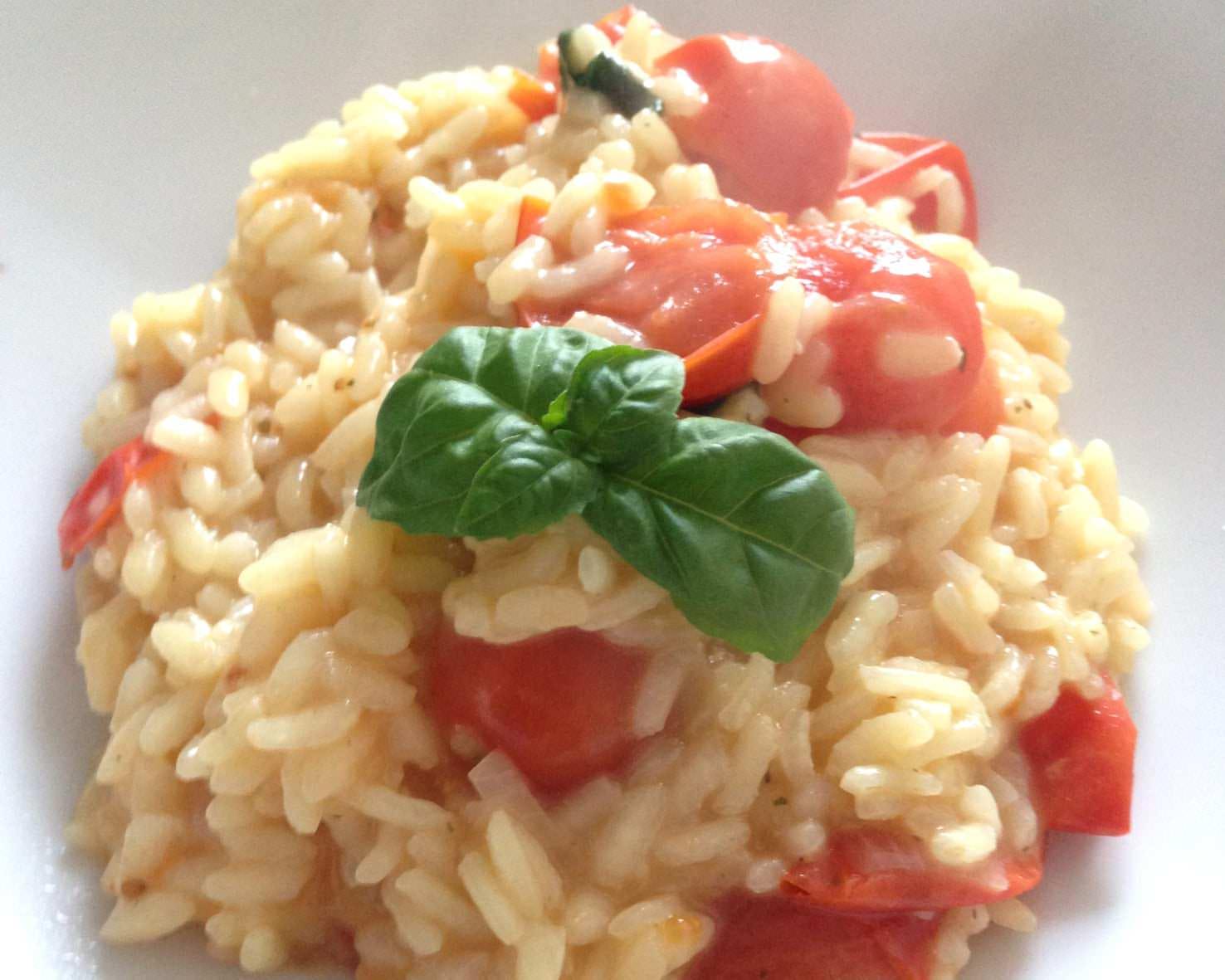 rezept der woche risotto mit tomaten und basilikum lifestylelove. Black Bedroom Furniture Sets. Home Design Ideas