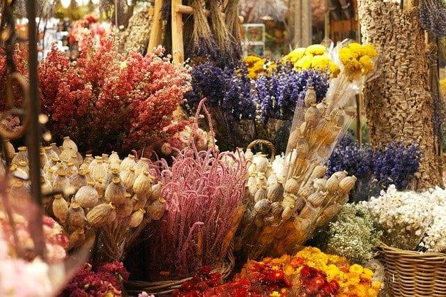 Adventskalender mit Trockenblumen